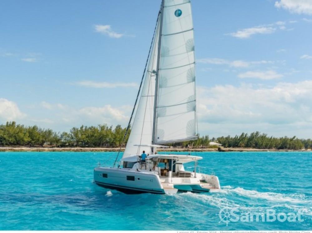 Louer Catamaran avec ou sans skipper Lagoon à Le Marin