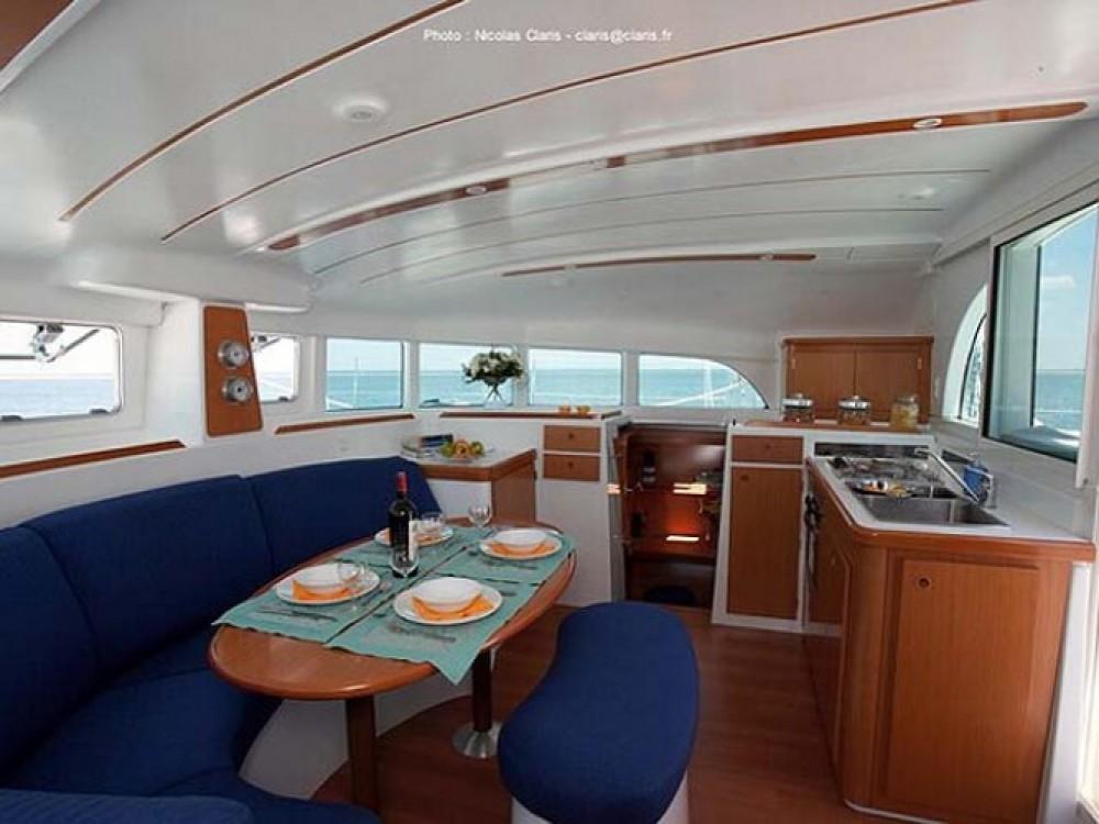 Location bateau Pointe-à-Pitre pas cher Lagoon 380 S2