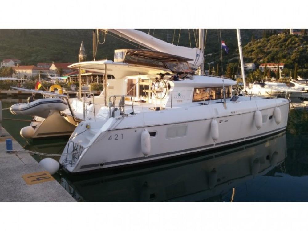 Louer Catamaran avec ou sans skipper Lagoon à Victoria