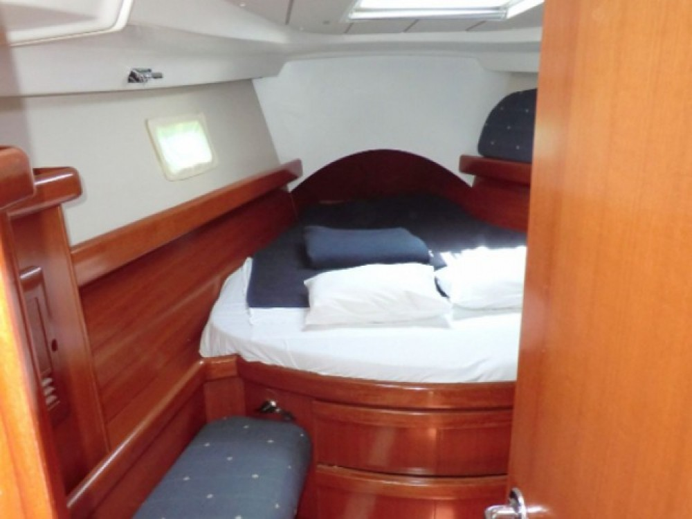 Location yacht à Sukošan - Bénéteau Oceanis 423 sur SamBoat