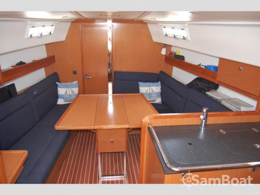 Louez un Bavaria Cruiser 32 à Trapani