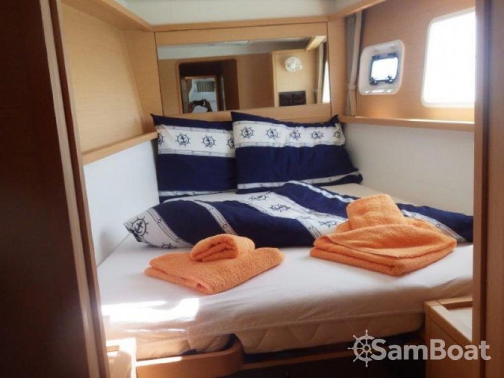 Louer Catamaran avec ou sans skipper Lagoon à Marina Baotić