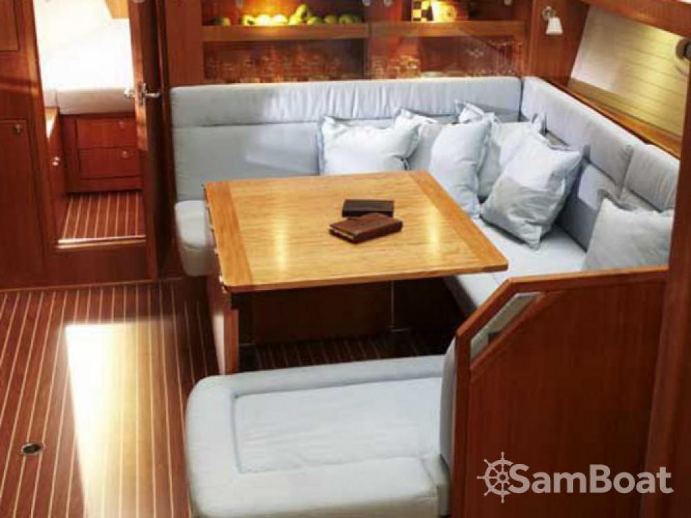 Bavaria Bavaria 43 Cruiser entre particuliers et professionnel à Skiathos