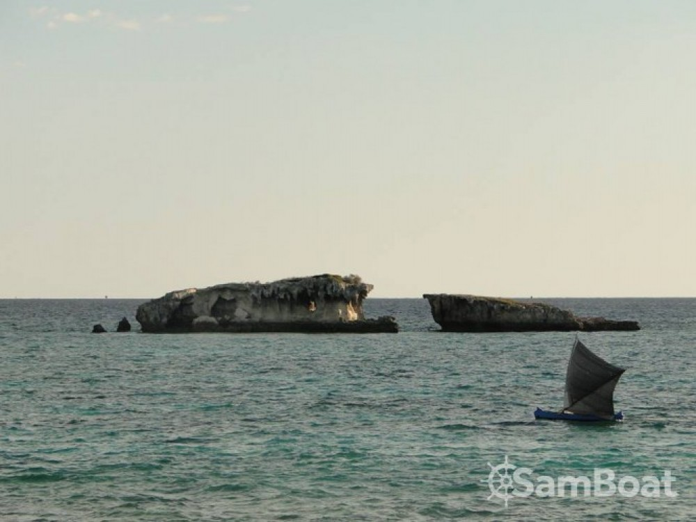 Louez un Fondy-Charpentier-De-Marine goélette à Morondava