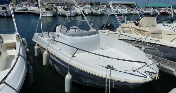 Louer Bateau à moteur avec ou sans skipper Jeanneau à Saint-Cyprien