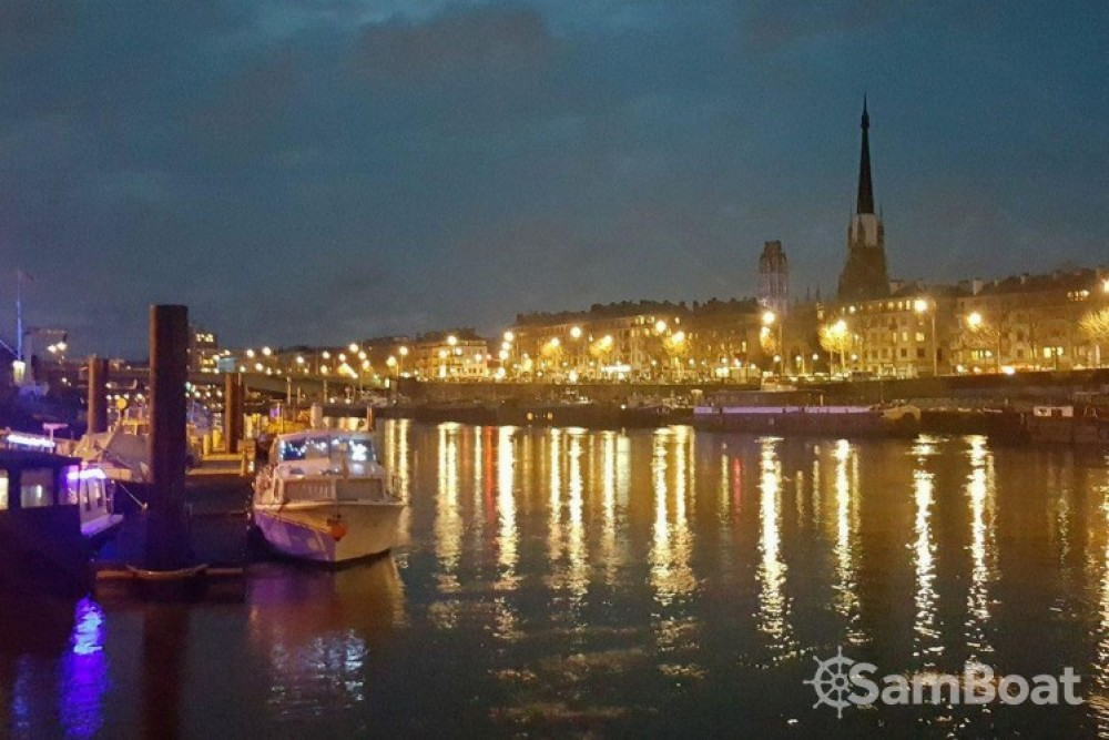 Motor boat for rent Rouen at the best price