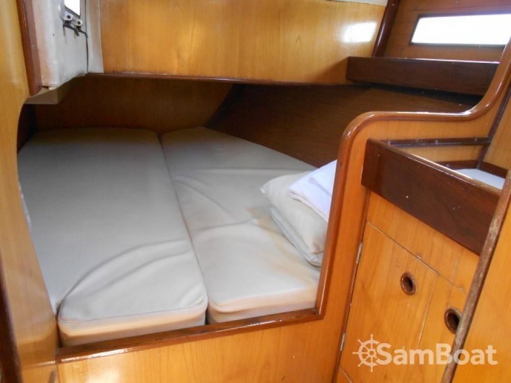 Location bateau Athènes pas cher Oceanis 390