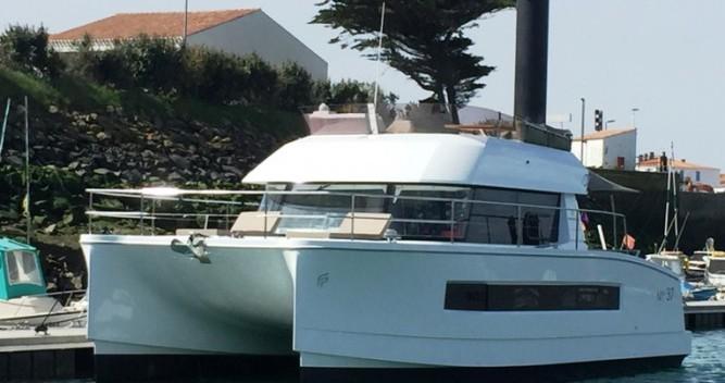 Louer Bateau à moteur avec ou sans skipper Fountaine Pajot à La Trinité-sur-Mer