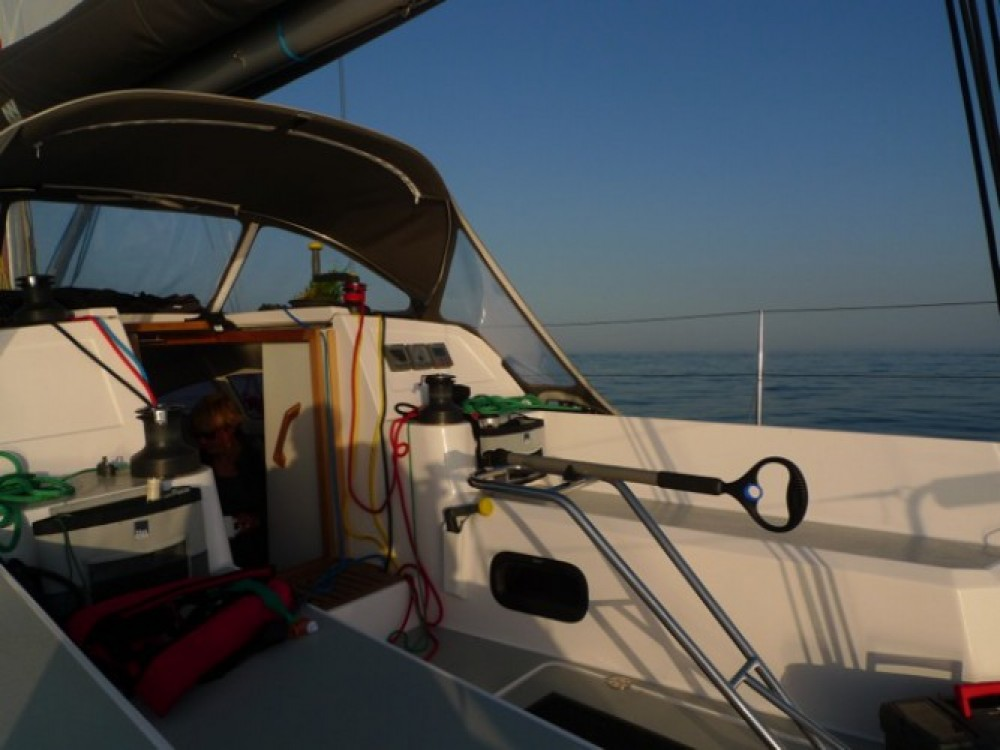 Rent a Fora Marine RM 10.60 biquille Athens