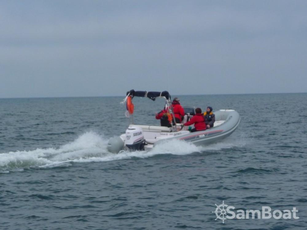 Louer Semi-rigide avec ou sans skipper Selva à Le Havre
