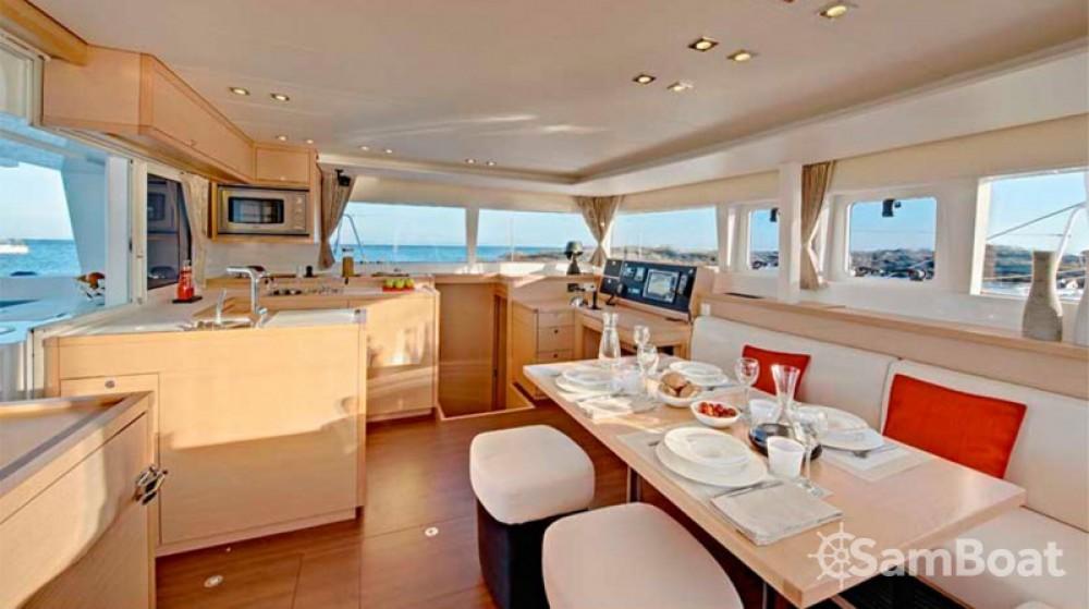 Alquiler de barcos Álimos barato de Lagoon 450