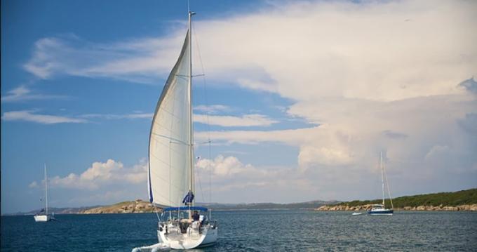 Louer Voilier avec ou sans skipper Bénéteau à Pianotolli-Caldarello