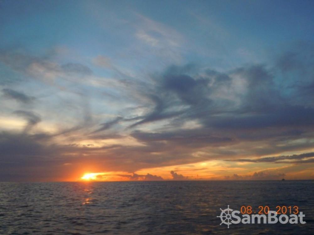 Location bateau Le Marin pas cher Activ 675 Sundeck