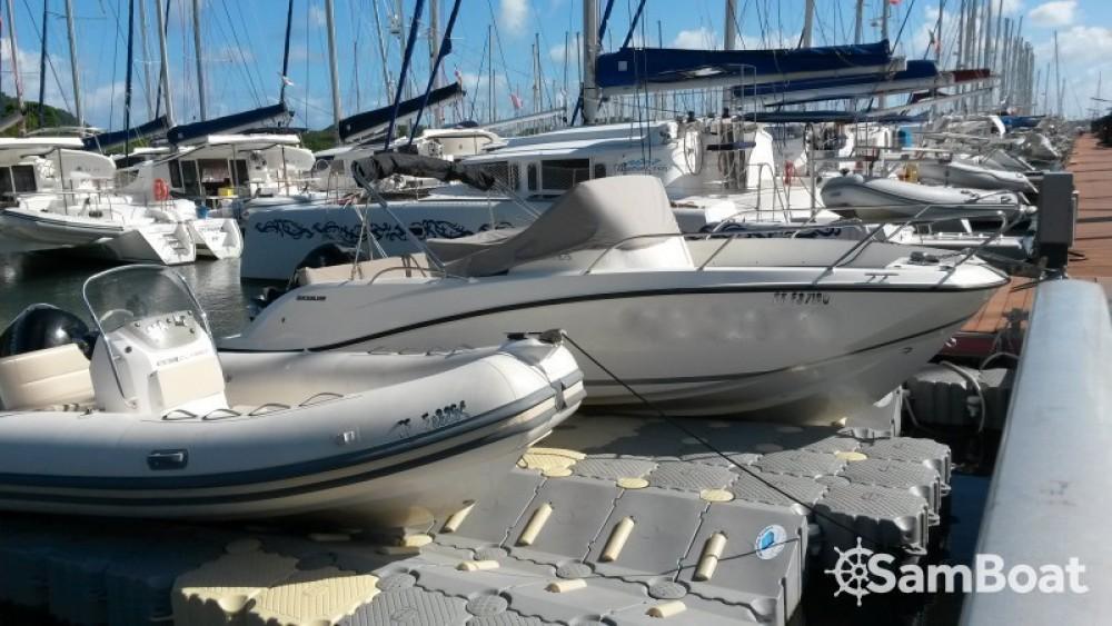 Quicksilver Activ 675 Sundeck entre particuliers et professionnel à Le Marin
