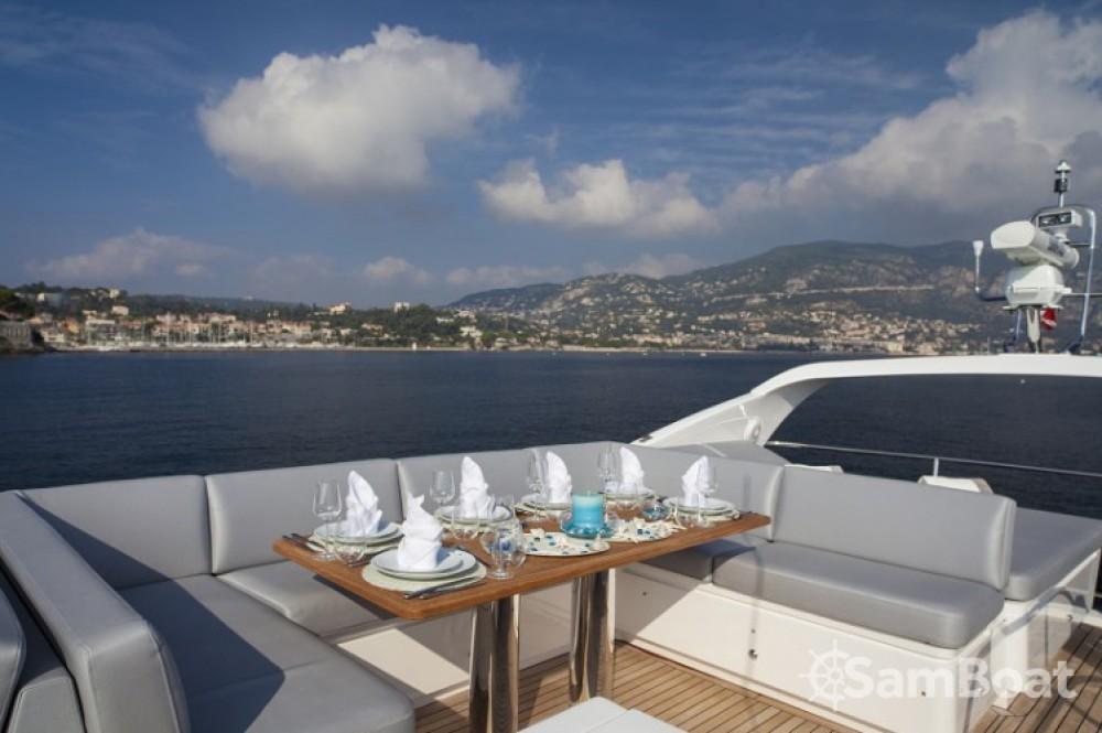 Yacht à louer à Cannes au meilleur prix