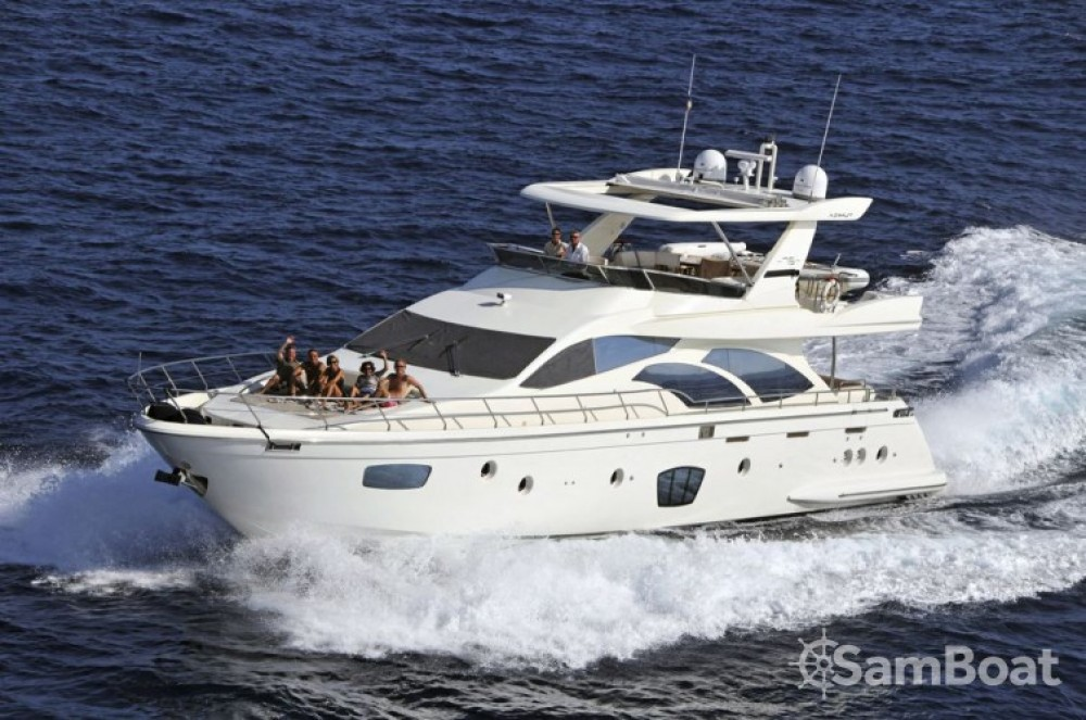 Location Yacht Azimut avec permis