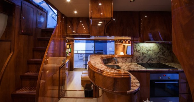 Location Yacht Maiora avec permis