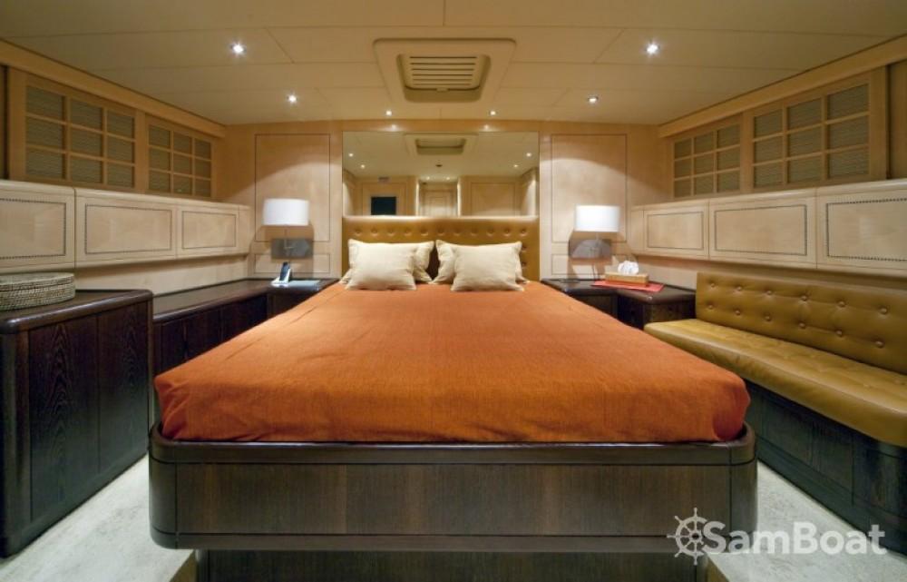 Location yacht à Saint-Tropez - Mangusta 25 sur SamBoat