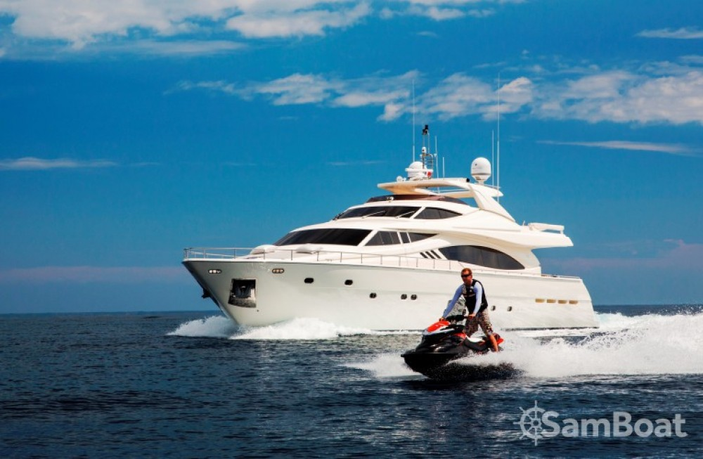 Location yacht à Saint-Tropez - Ferretti 27 sur SamBoat
