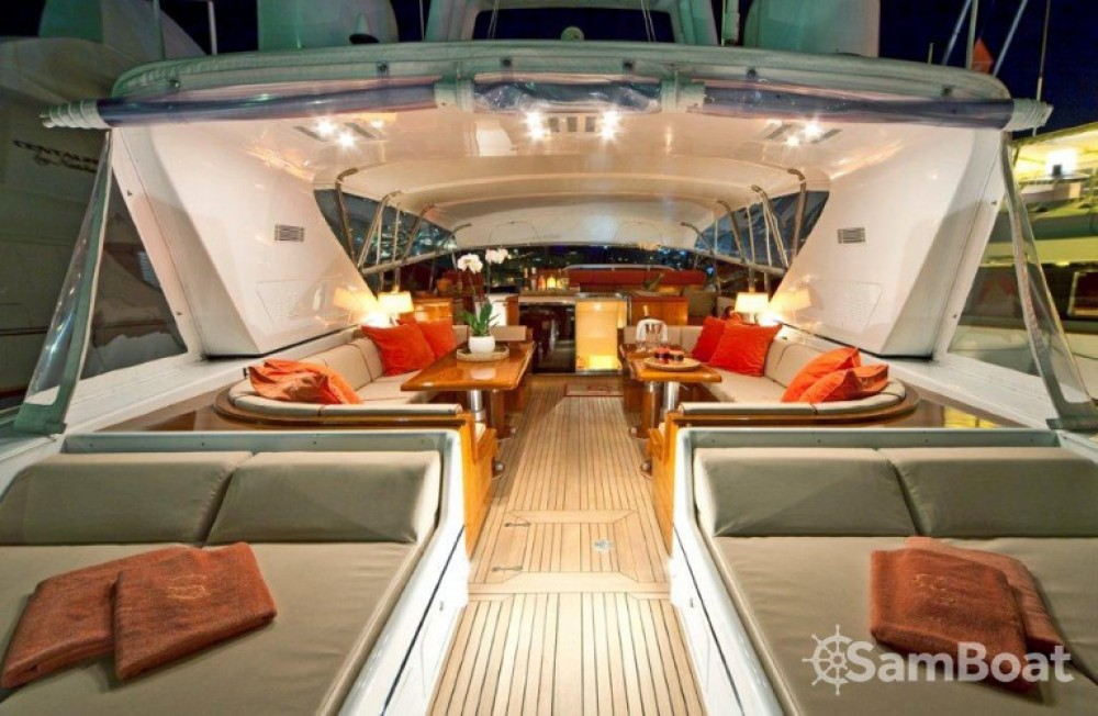 Location Yacht à Saint-Tropez - Mangusta 25