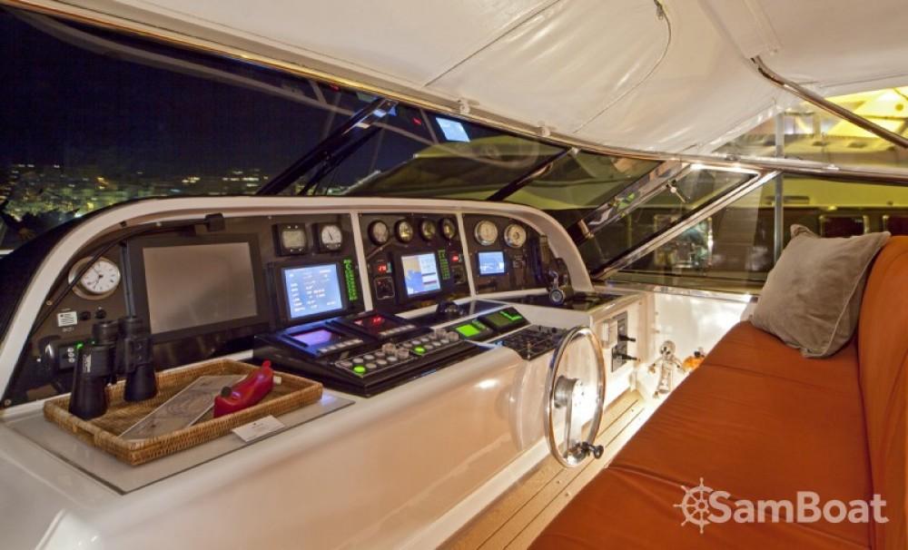 Louer Yacht avec ou sans skipper Mangusta à Saint-Tropez