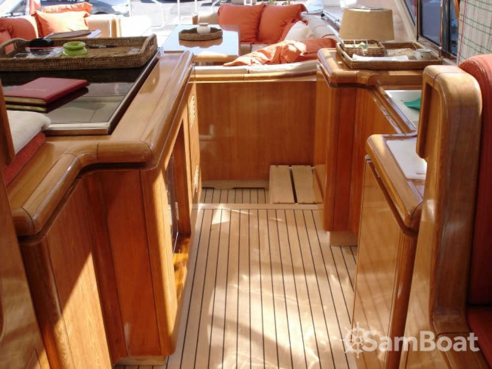 Location yacht à Saint-Tropez - Mangusta 25 sur SamBoat