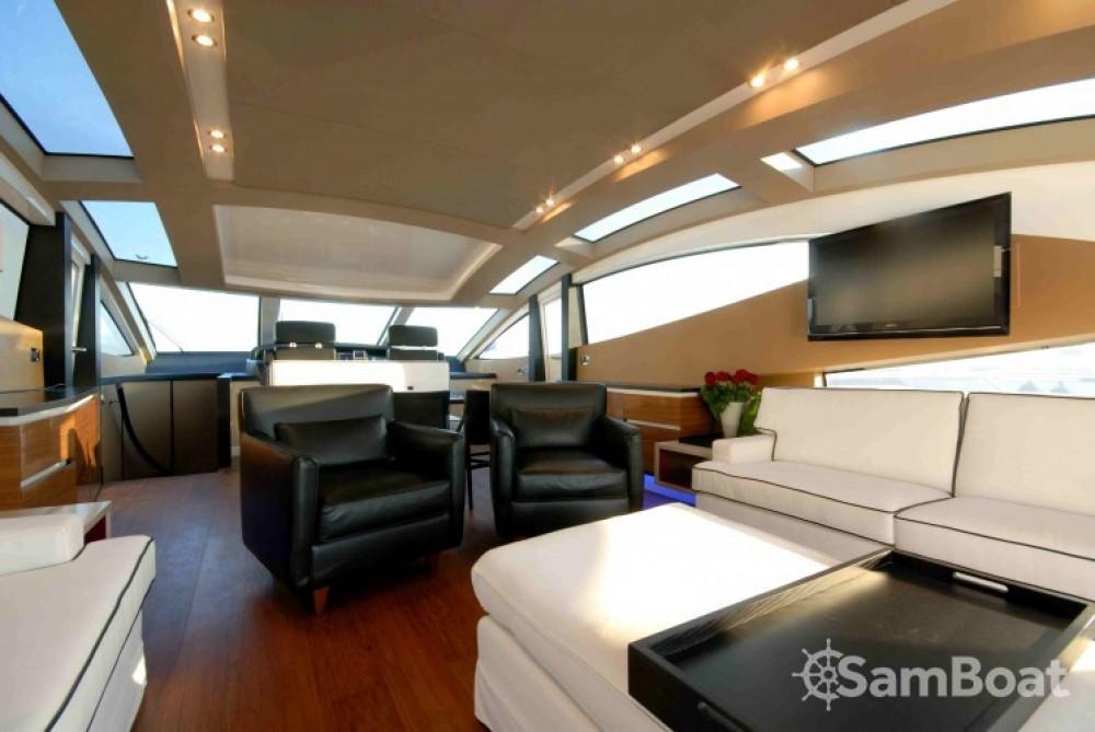 Louer Yacht avec ou sans skipper Canados à Saint-Tropez