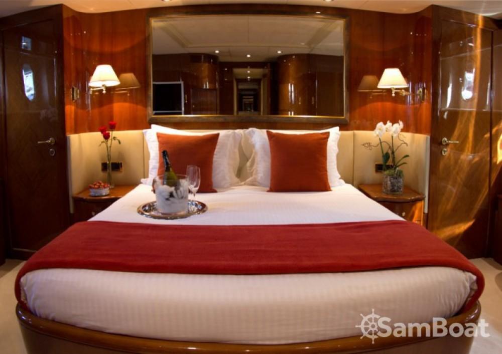 Location yacht à Saint-Tropez - Azimut 30.4 sur SamBoat