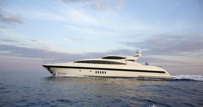 Location bateau Mangusta 31.4 à Saint-Tropez sur Samboat