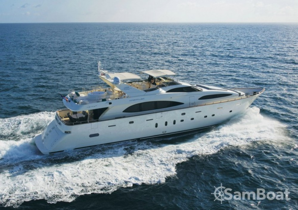 Location Yacht à Saint-Tropez - Azimut 30.4
