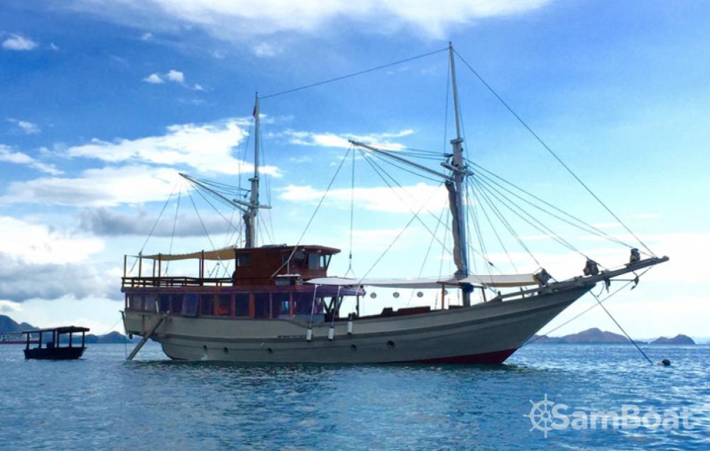 Voilier à louer à Labuan Bajo au meilleur prix