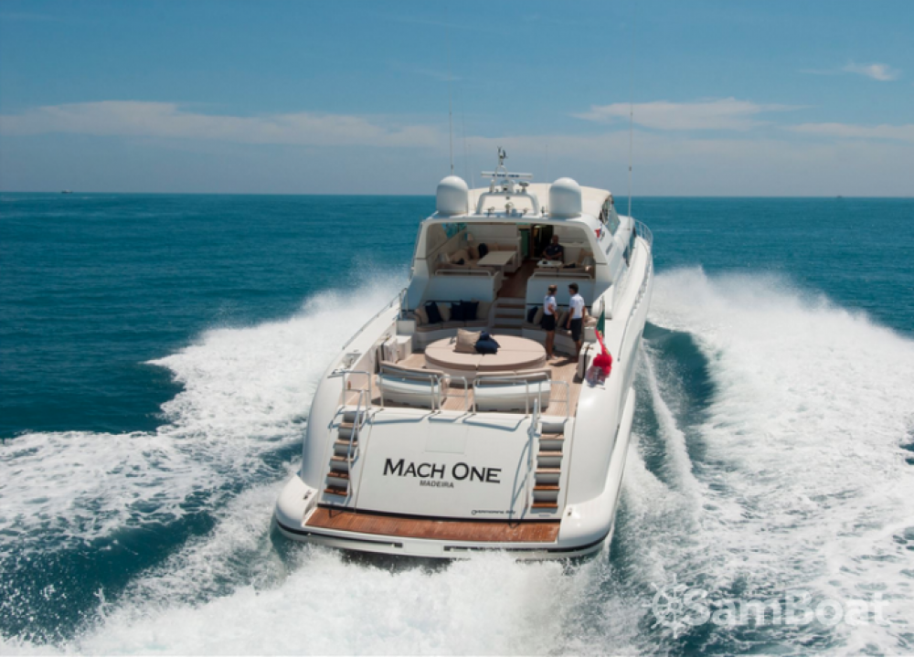 Location Yacht à Saint-Tropez - Mangusta 32
