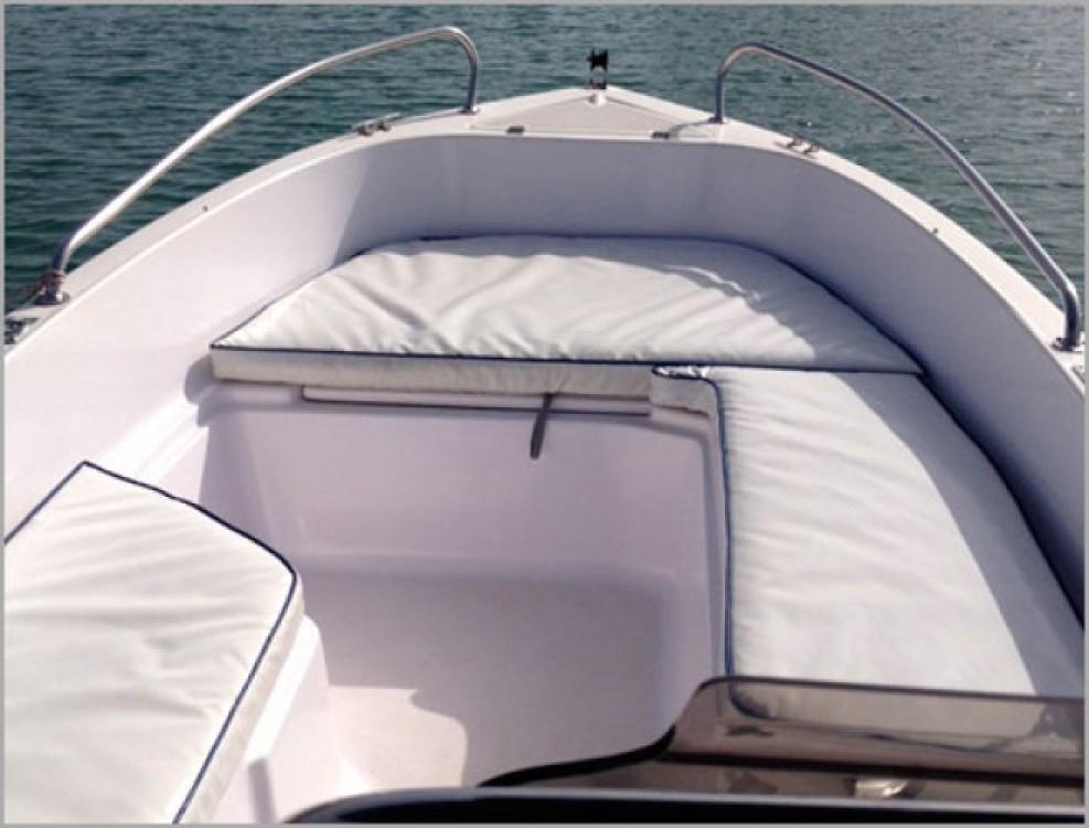 Louer Bateau à moteur avec ou sans skipper Poseidon à Benalmádena