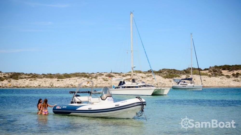 Louer Semi-rigide avec ou sans skipper Valiant à Formentera