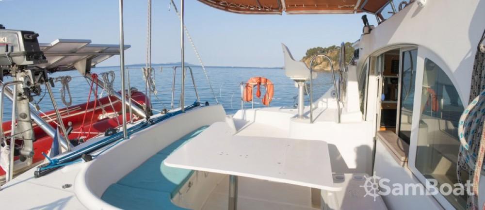 Location bateau Porto-Vecchio pas cher Lagoon 380