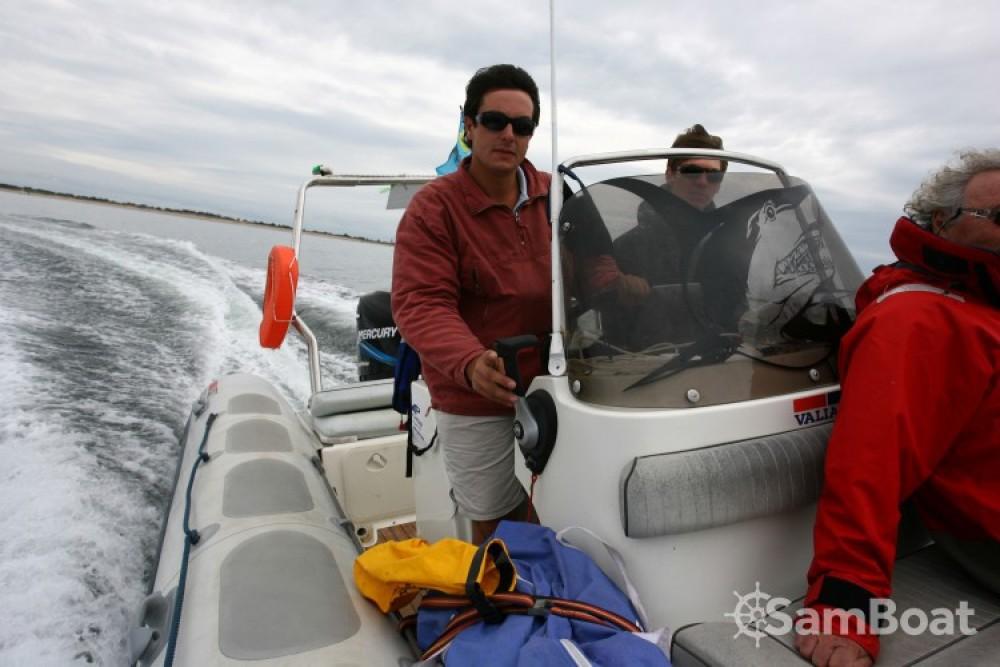 Location bateau La Rochelle pas cher Valiant 750 Vanguard