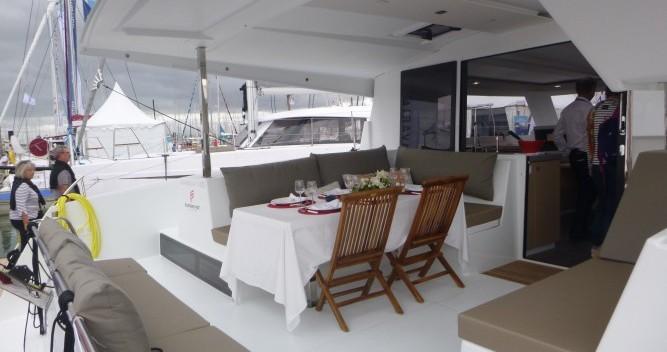 Location bateau Les Trois-Îlets pas cher Lucia 40