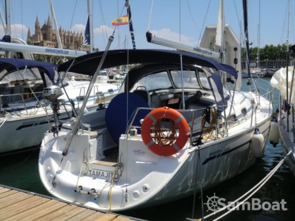 Boat rental Bavaria Bavaria 37 in Arona on Samboat