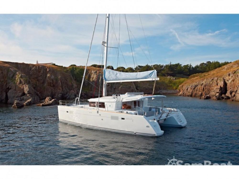 Catamaran à louer à Mesolongi au meilleur prix