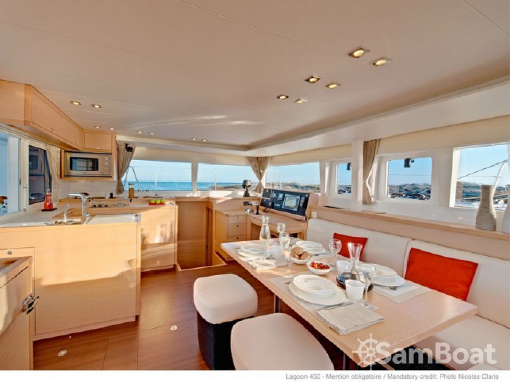 Location bateau Mesolongi pas cher Lagoon 450