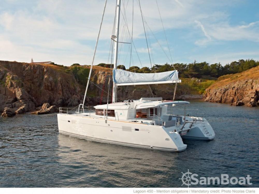 Louer Catamaran avec ou sans skipper Lagoon à Mesolongi