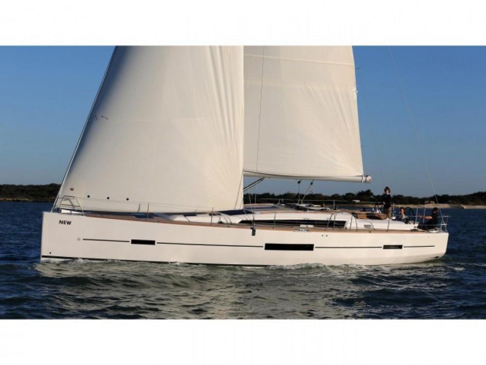Location bateau Dufour Dufour 500 Grand Large à Capo d'Orlando Marina sur Samboat