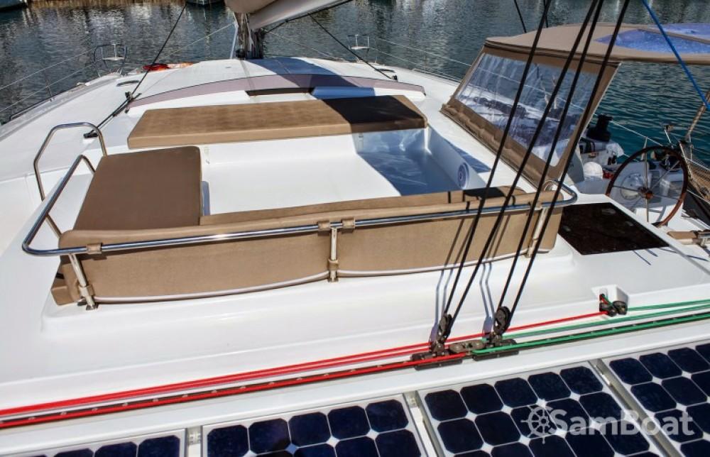 Location bateau Fountaine Pajot Berret à Athènes sur Samboat