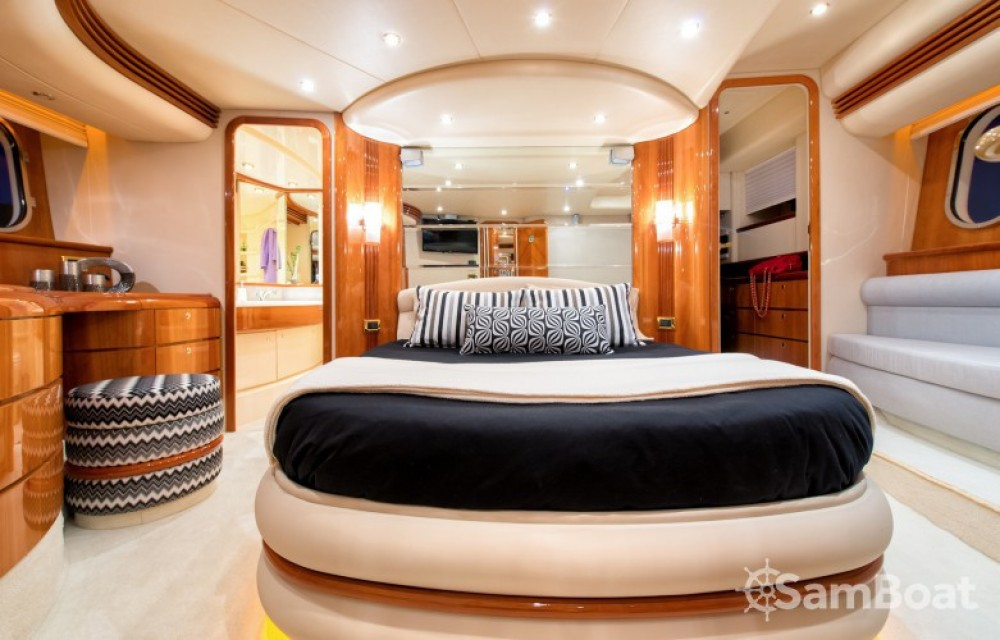 Location bateau Azimut yacht à Laganas sur Samboat