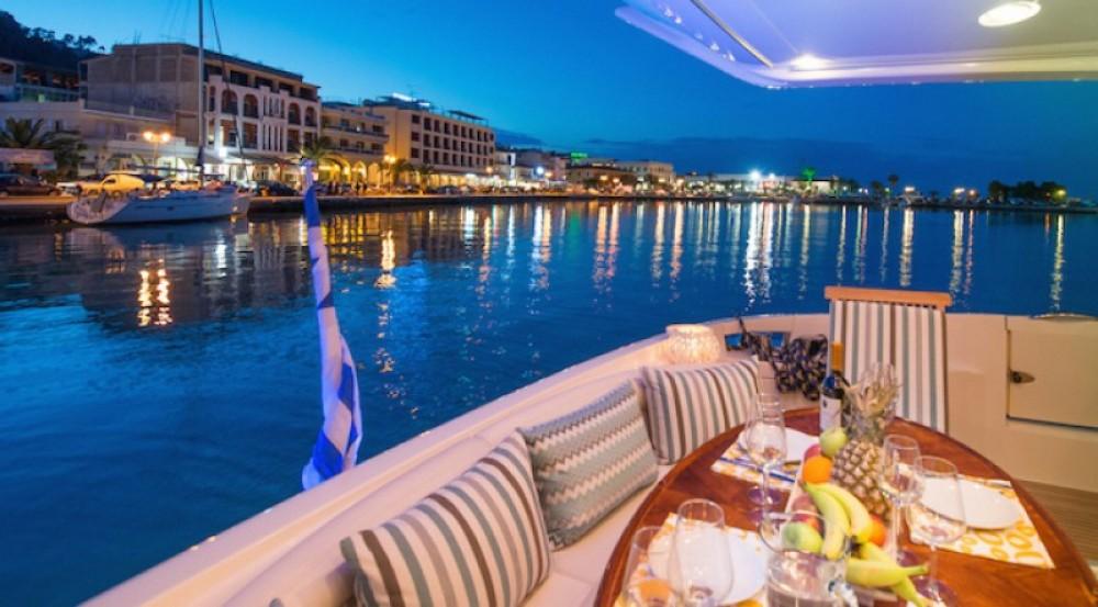 Azimut yacht entre particuliers et professionnel à Laganas