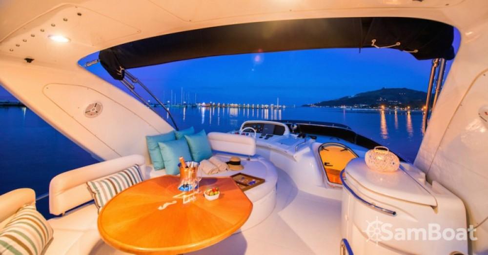 Louer Yacht avec ou sans skipper Azimut à Zákynthos
