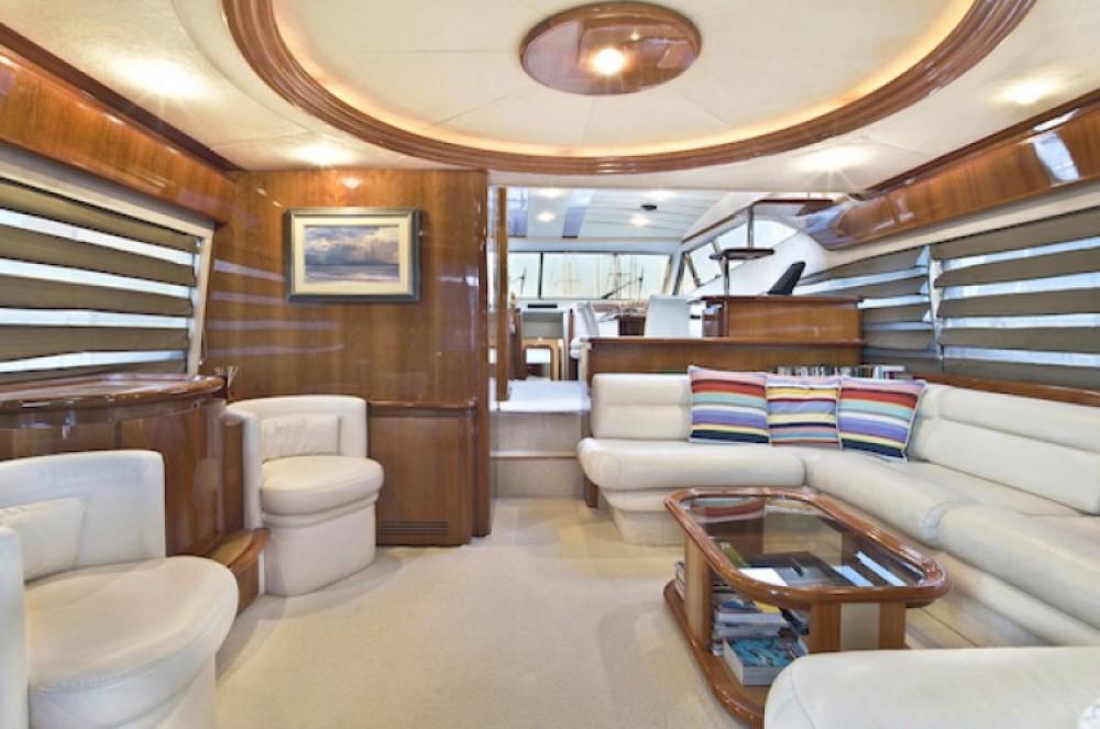 Yacht à louer à Athènes au meilleur prix
