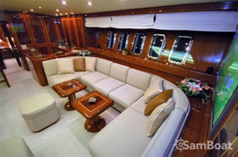 Location Yacht à Athènes - Mangusta overmarine