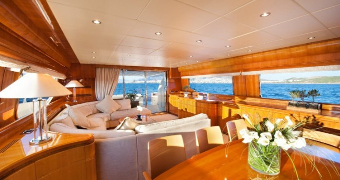 Location Yacht Posillipo avec permis