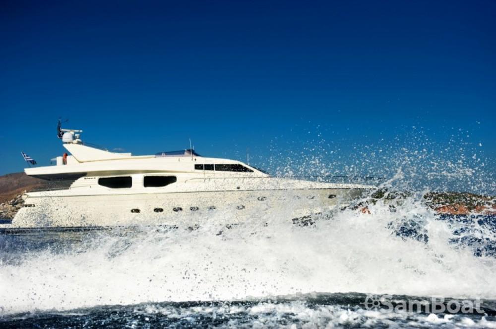 Louez un Posillipo yacht à Athènes